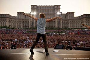 Bon Jovi, iulie 2011